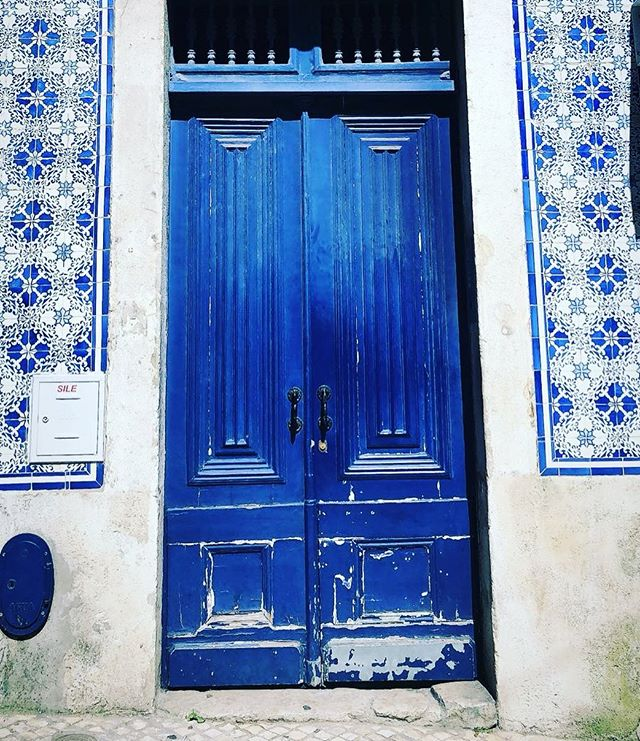 Something blue...take me back to these pretty inspiring Lisbon streets. I need to start designing from all of this eye candy! Two events down and one to go this crazy May travel time! Then I will be back to all the pretty jewelry goodness and re-open orders.