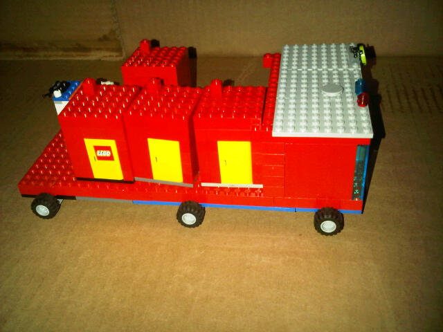 port-a-potty-lego.jpg
