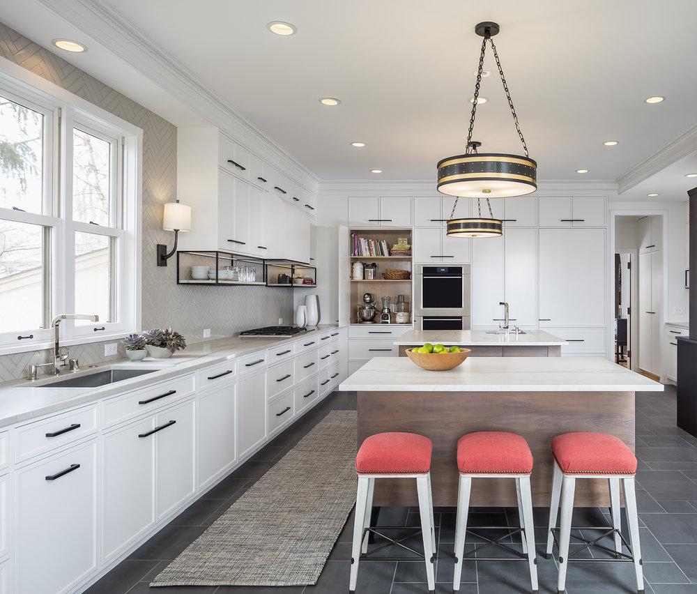 Kitchen_Straight_CabinetOpen_2018_11_15.jpg