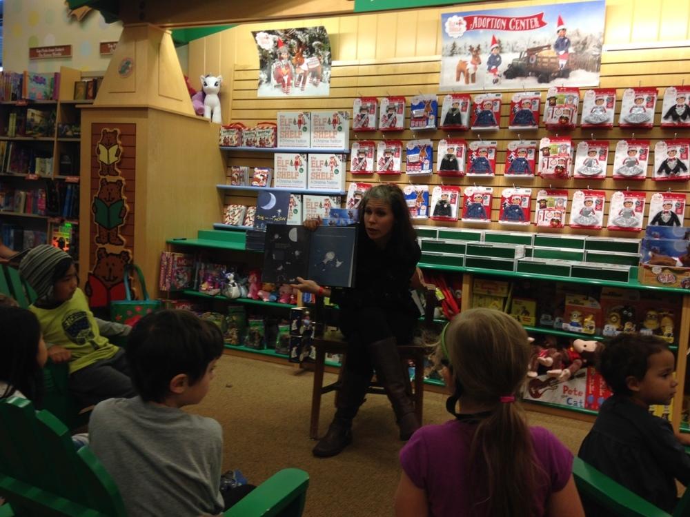 Jami Gigot read at Barnes and Noble