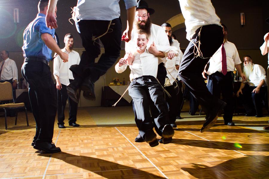 jewish-wedding-photographer-milwaukee-chicago-na-35.jpg