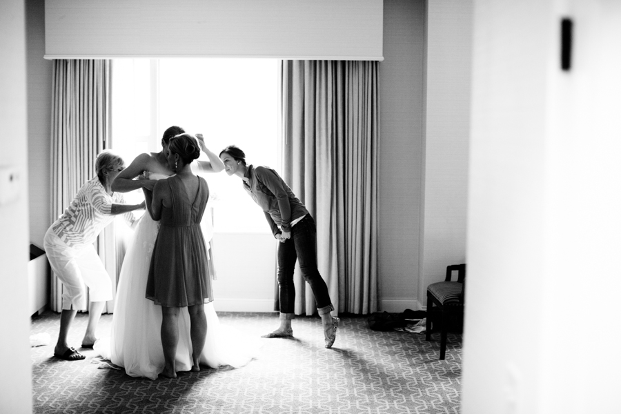 milwaukee_wedding_photography_at_old_st_mary's_pier_wisconsin_jared_claire-004.jpg