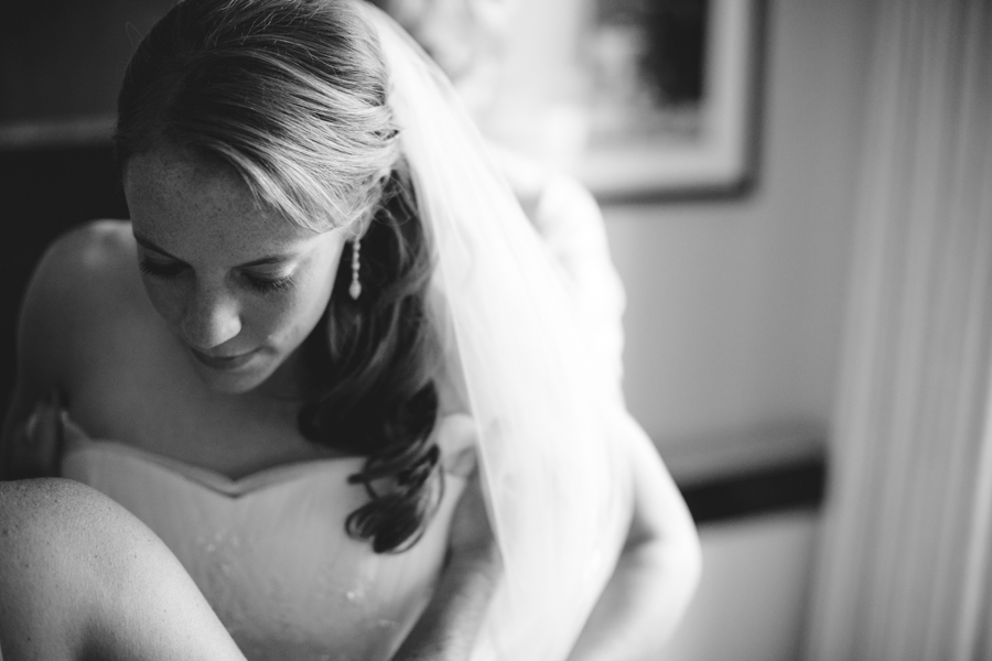 milwaukee_wedding_photography_at_old_st_mary's_pier_wisconsin_jared_claire-005.jpg
