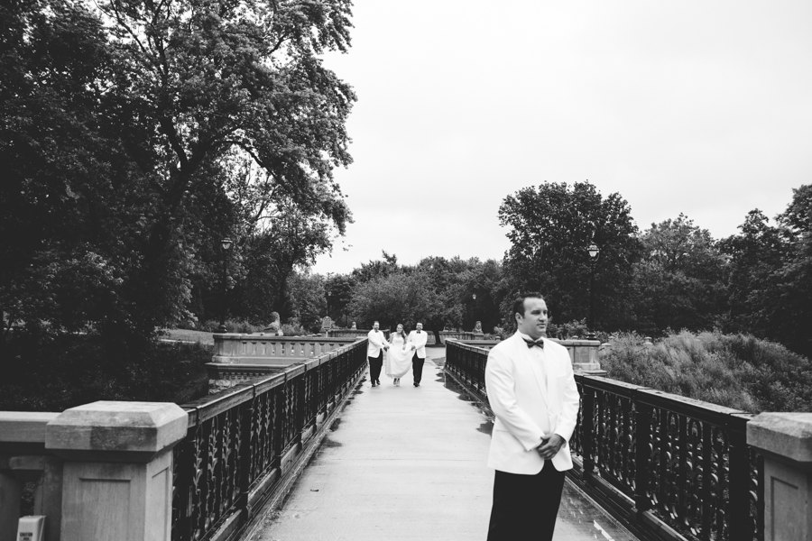 milwaukee_wedding_photography_at_old_st_mary's_pier_wisconsin_jared_claire-014.jpg