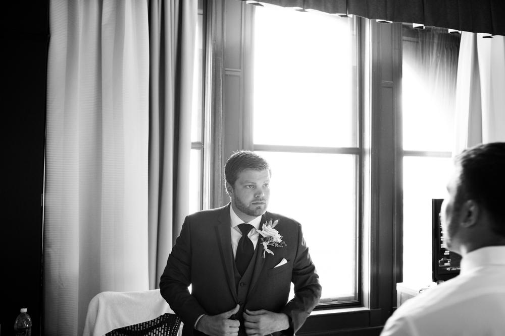 grain_exchange_wedding_milwaukee_photographers-009.jpg