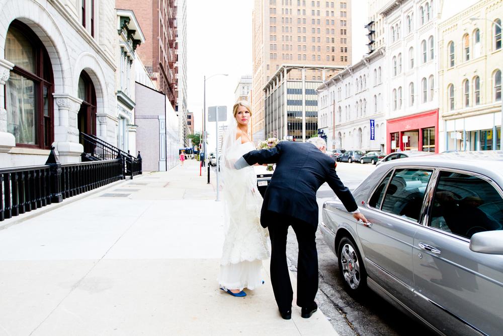 grain_exchange_wedding_milwaukee_photographers-028.jpg