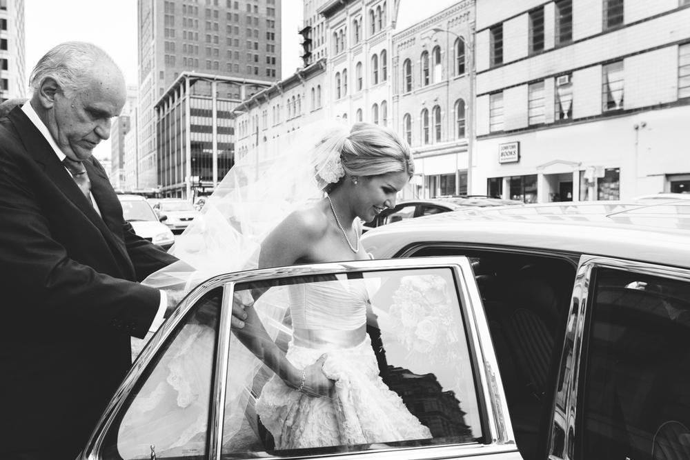grain_exchange_wedding_milwaukee_photographers-029.jpg