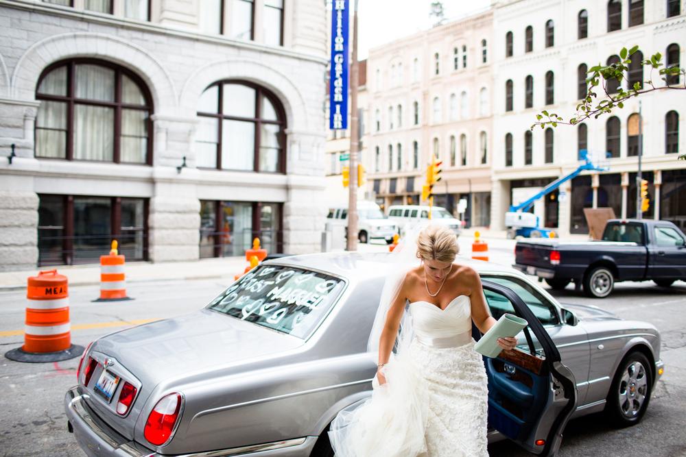 grain_exchange_wedding_milwaukee_photographers-067.jpg