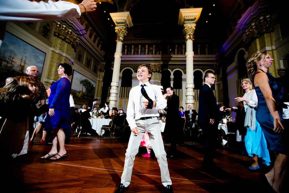 grain_exchange_wedding_milwaukee_photographers-093.jpg