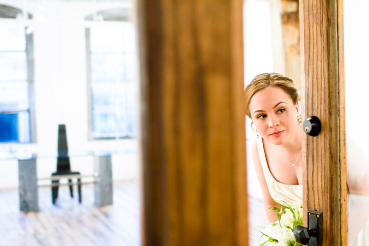 chicago_wedding_photography_at_gruen_gallery-040.jpg