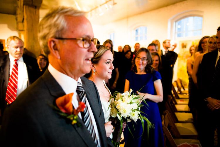 chicago_wedding_photography_at_gruen_gallery-041.jpg