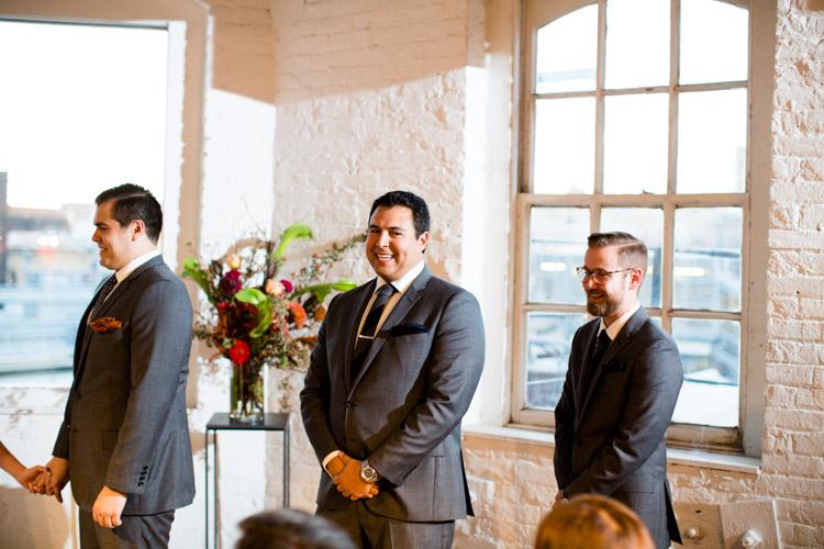 chicago_wedding_photography_at_gruen_gallery-044.jpg