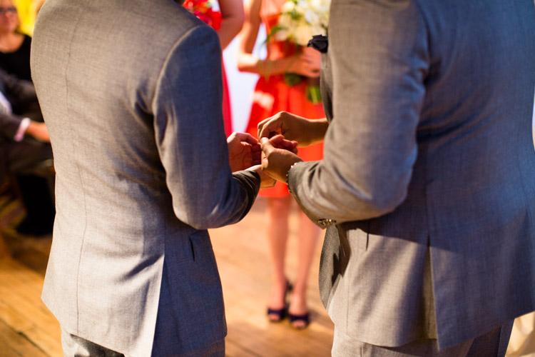 chicago_wedding_photography_at_gruen_gallery-058.jpg