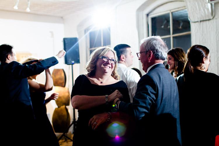 chicago_wedding_photography_at_gruen_gallery-124.jpg