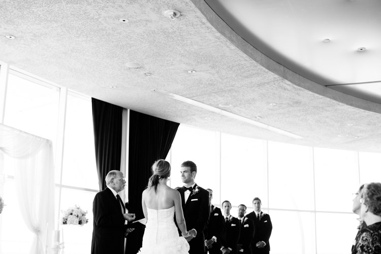 pier_wisconsin_wedding_john_megan-032.jpg