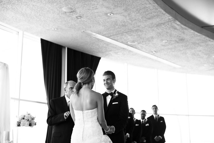 pier_wisconsin_wedding_john_megan-034.jpg
