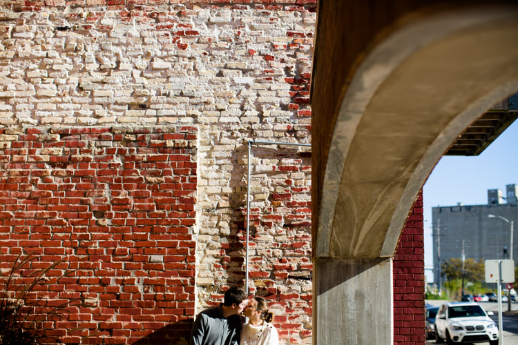 milwaukee_engagement_session_nl-016.jpg