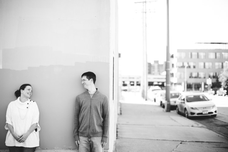 milwaukee_engagement_session_nl-017.jpg