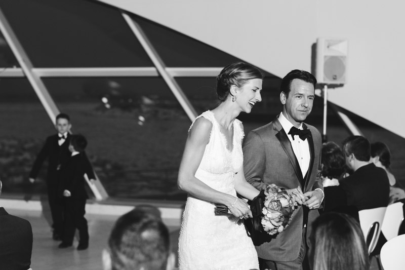milwaukee_art_museum_wedding_ja-069.jpg