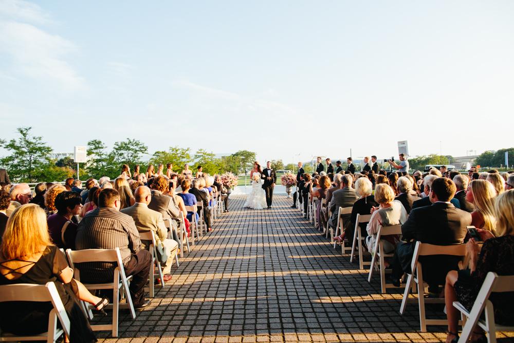milwaukee-art-museum-wedding-dk-37.jpg