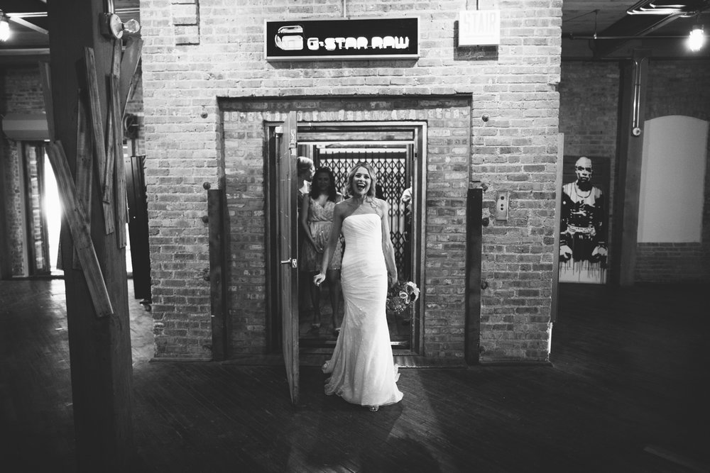 eg_chicago-wedding-photography-lacuna-artist-lofts-019.jpg