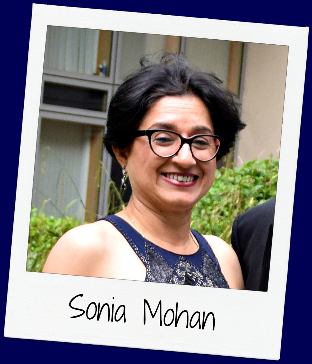 Sonia is a teacher of Biology and Chemistry. Ever since the first g4g event at ISB in 2010, she has been an avid believer in what g4g stands for. In 2012, she   organised the first g4g Day in Flanders, as well as g4g Day@Mol in hopes of encouraging more girls to pursue careers in STEM! She   enjoys a good crime thriller book & loves genetics!