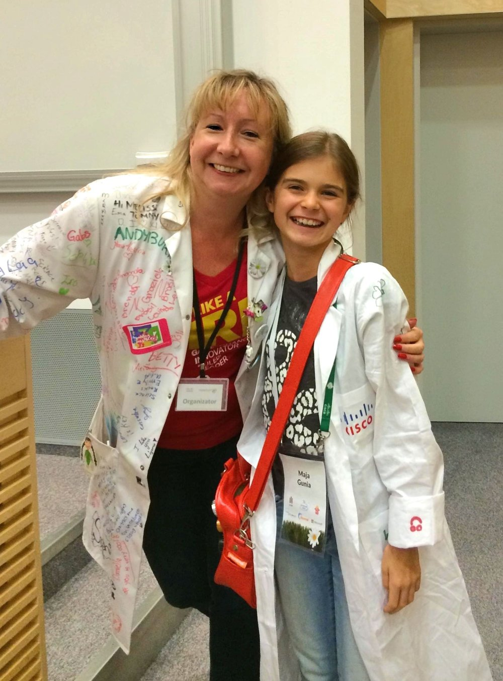 That's Melissa and me, 4 years ago during our first event in Krakow! Yes, I still have my labcoat :)