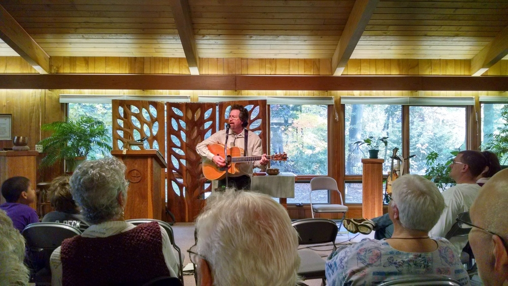 """Virginia singer-songwriter Andrew McKnight led the Oct. 19, 2014, morning service, """"Beyond Borders"""" after also performing a concert the night before."""