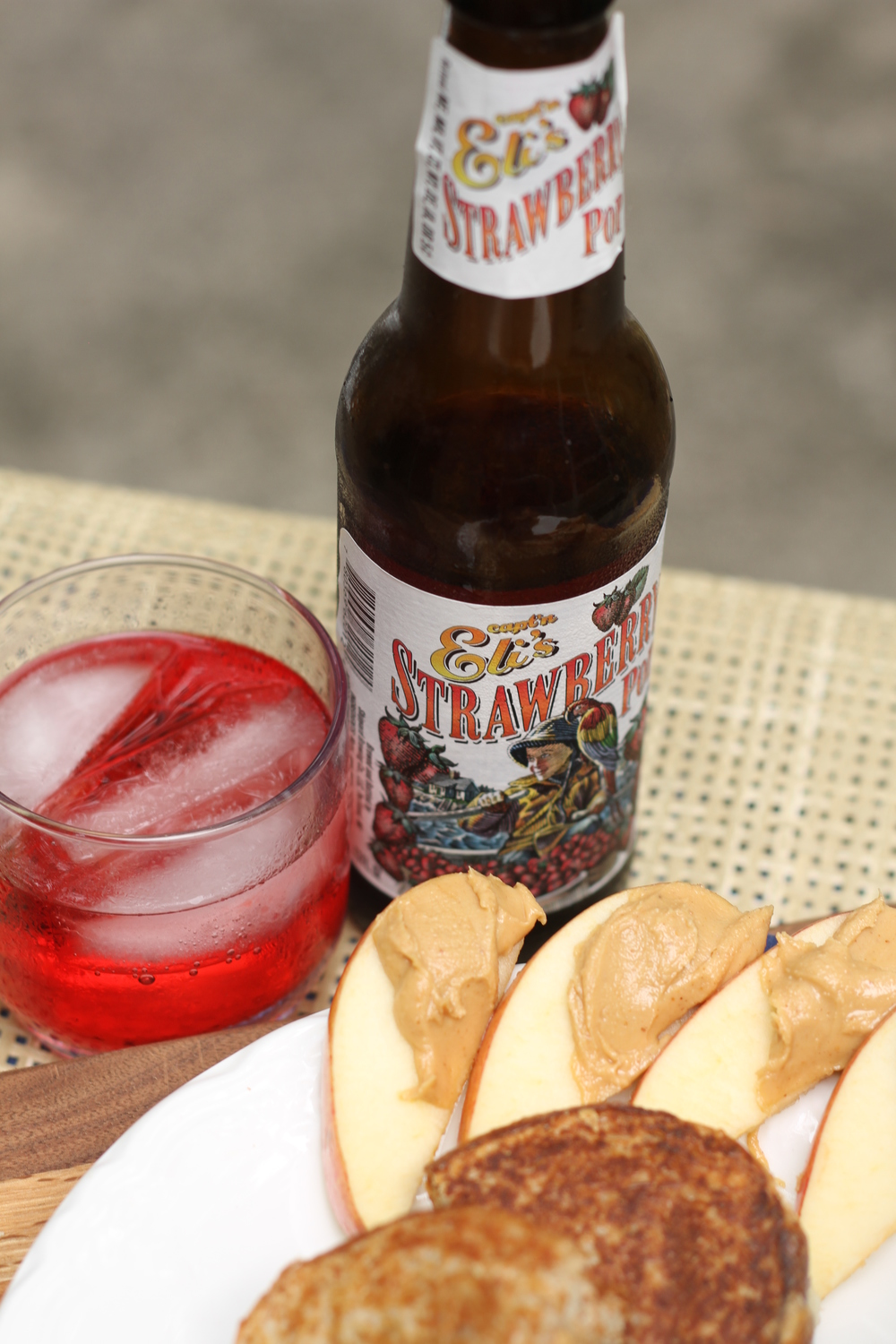 We heart Capt'n Eli's strawberry soda! We like blueberry too!