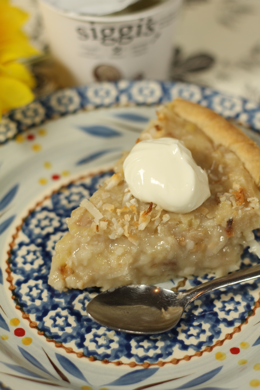 Gluten Free Coconut Banana Cream Pie