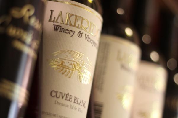 Lakeridge Winery Jazz on the Vineyard Green