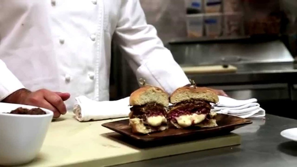 the oozy juicy lucy burger by chef michael ferraro for the new york city wine & food festival