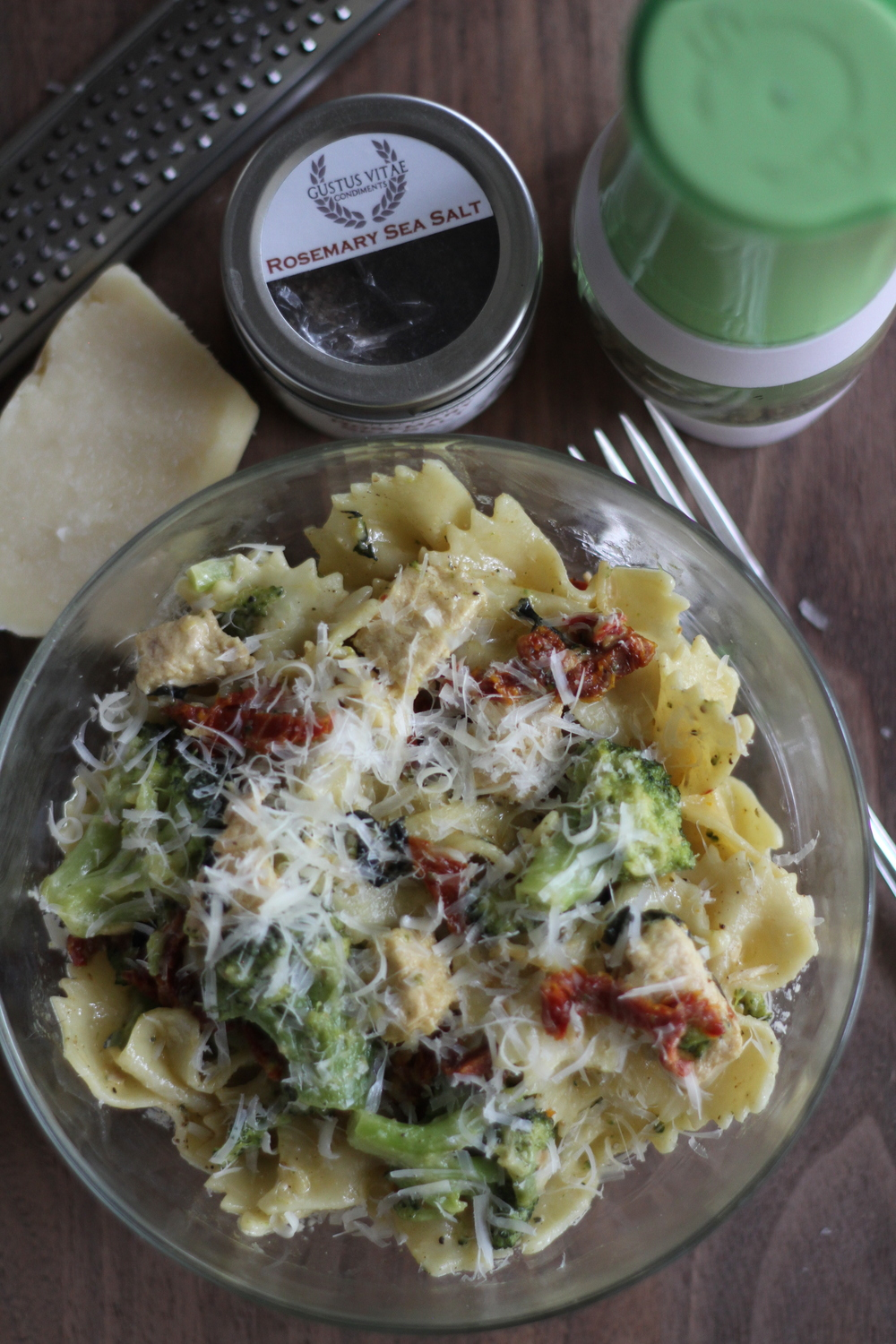 Sun Dried Tomato and Broccoli Pasta