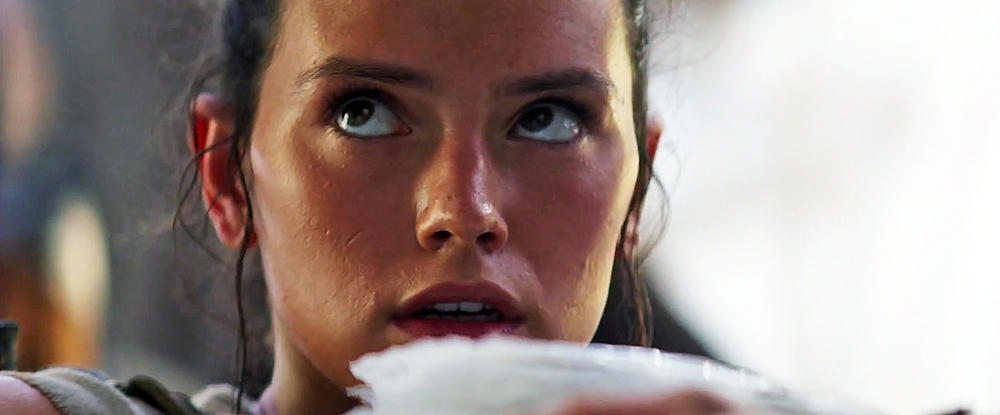 Rey begs for rations in Star Wars: The Force Awakens