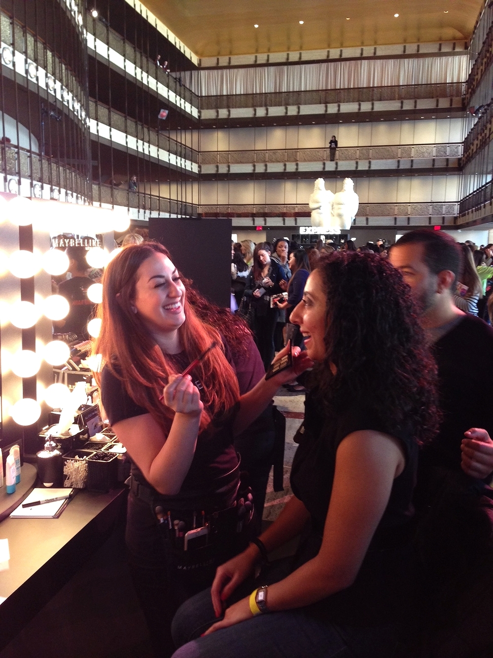 chatting it up with celeb Maybelline makeup artist Gab Almodovar