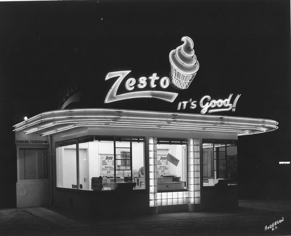 Wilborn Collection Zesto Drive-In night scene unknown location Anderson KC.jpg