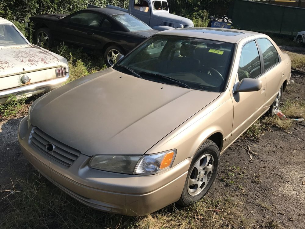Click to View! Lot 54 - 1998 Toyota Camry