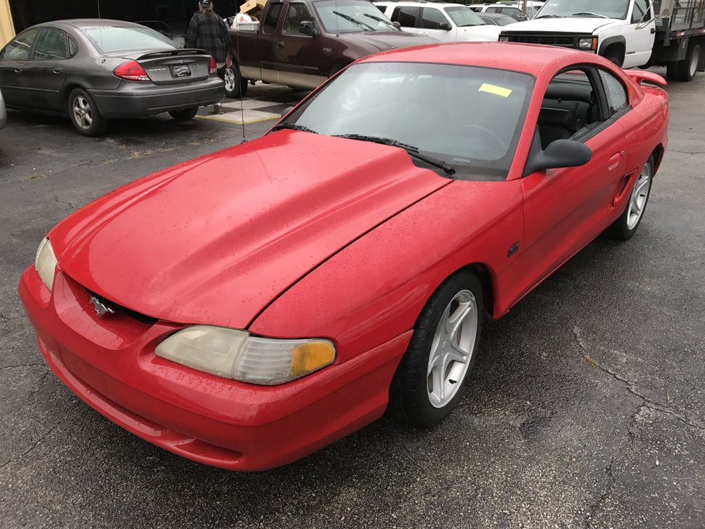 Click to View! Lot 40 - 1994 Ford Mustang