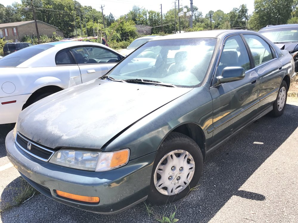 Click to View! Lot 15 - 1996 Honda Accord