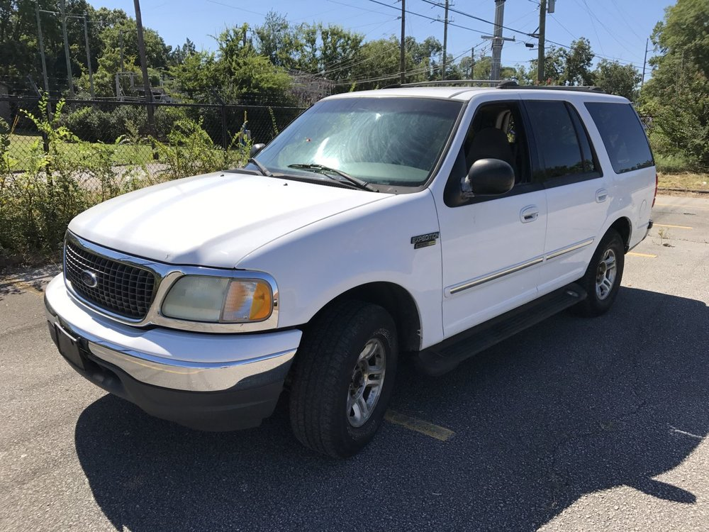 Click to View! Lot 28 - 2002 Ford Expedition
