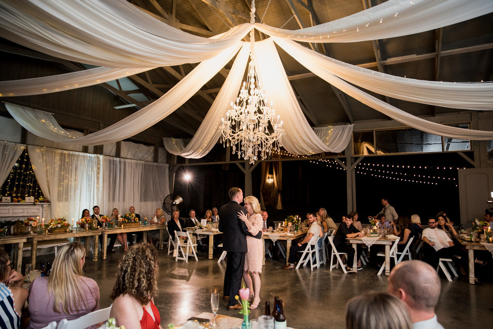 Nashville Wedding Photographers Drakewood Farm-1048.jpg