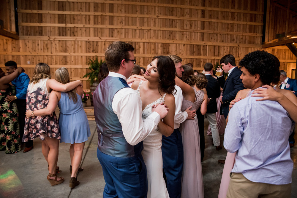 Saddlewood-Farms-Nashville-Wedding-Photographers-862.jpg