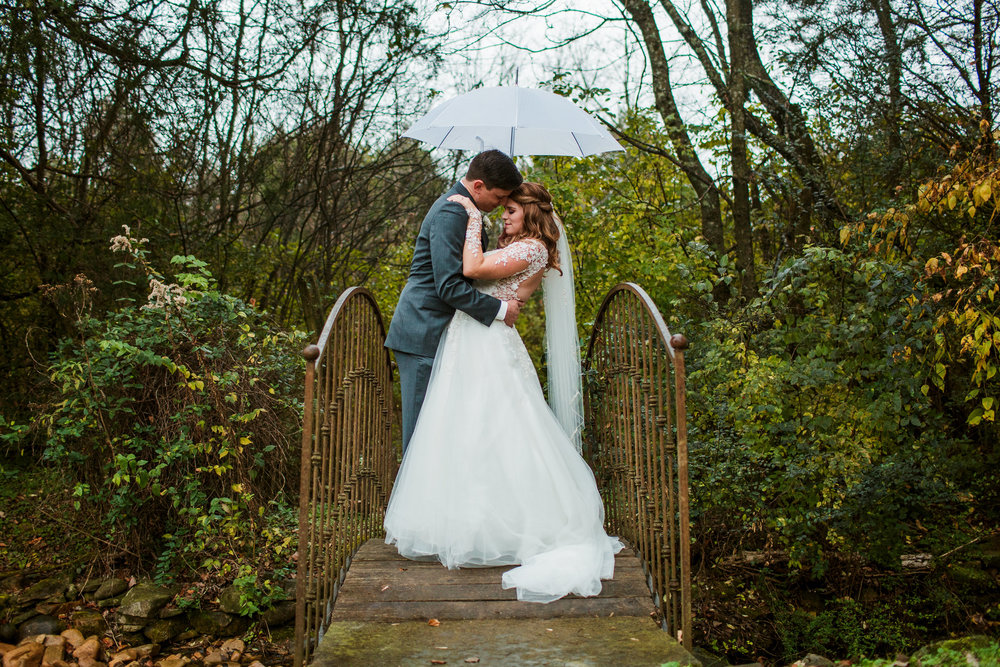 Cedarwood-Nashville-Wedding-Photographers 25.jpg