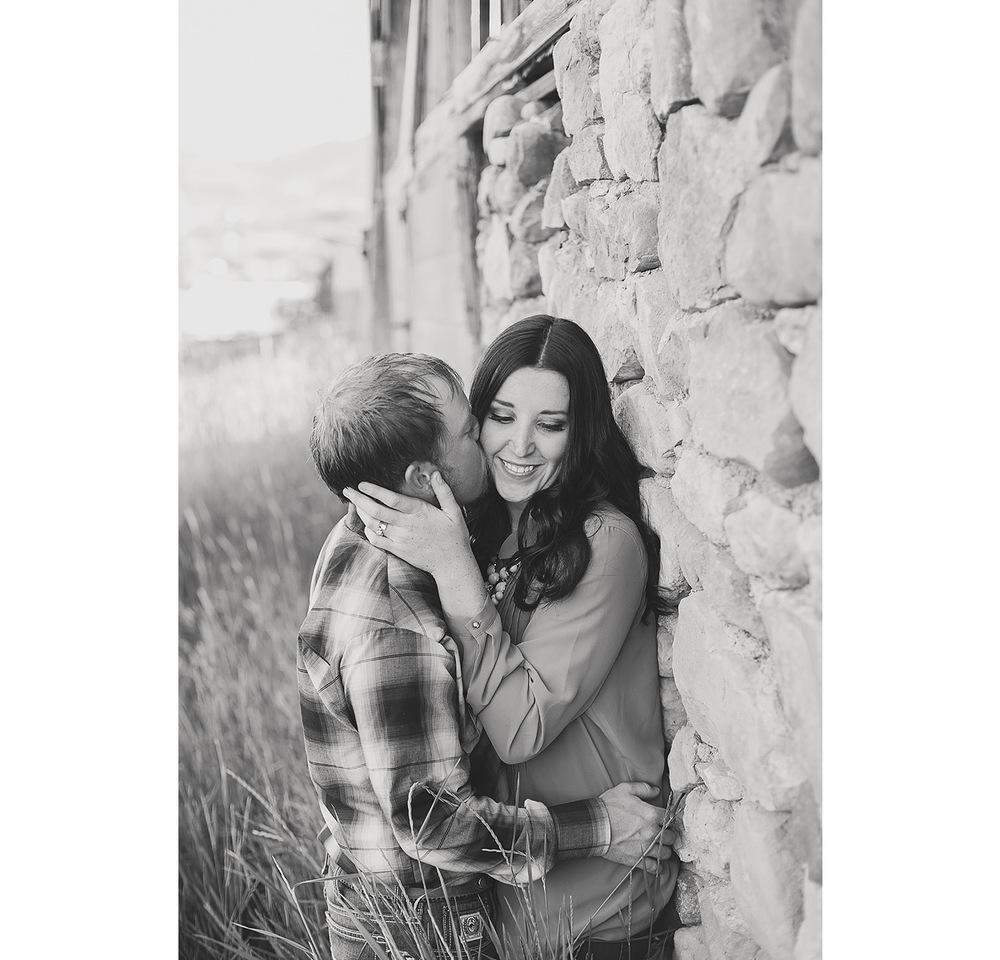 UtahEngagementPhotographer-HeidiRandallStudios-Sarah+Evan-4.jpg