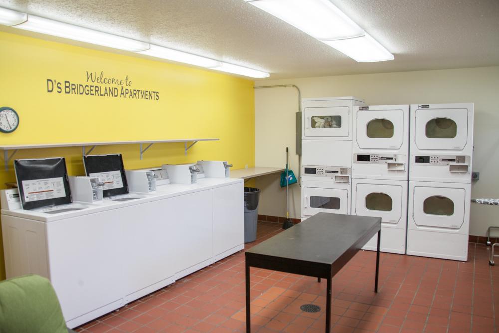 B-Land-Laundry2.jpg