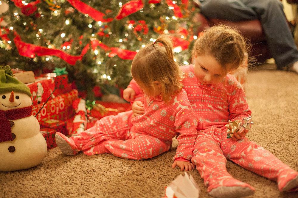 HomemadeGingerbreadHouse-Christmas2014-HeidiRandallStudios-11.jpg