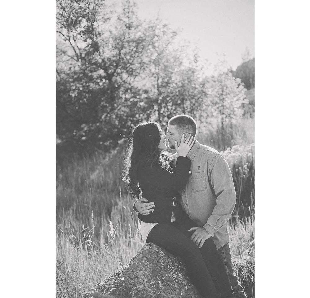 LoganUtahEngagementPhotography-HeidiRandallStudios-CJ-Jac-1.jpg