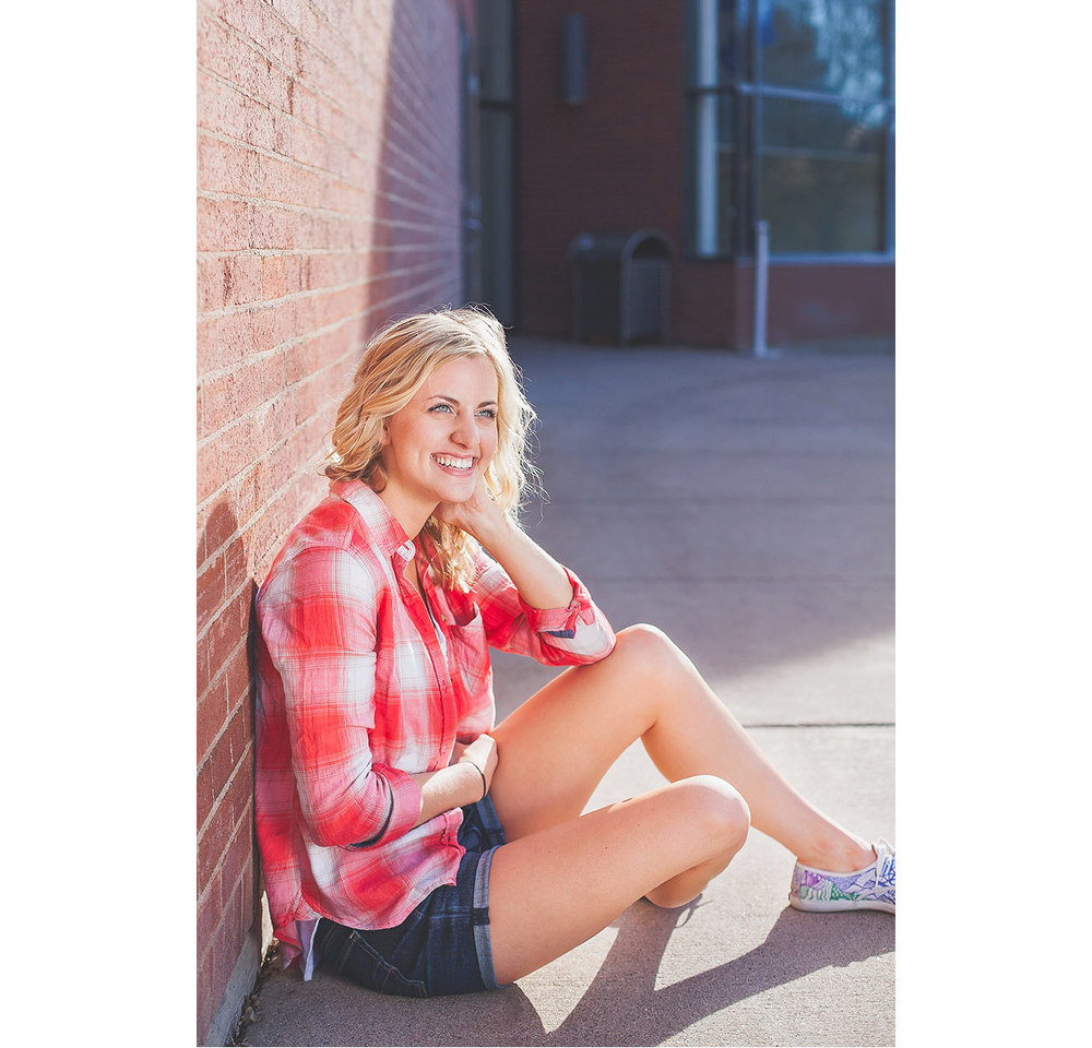 CollegeGraduationPortraits-HeidiRandallStudios-Courtney-2.jpg