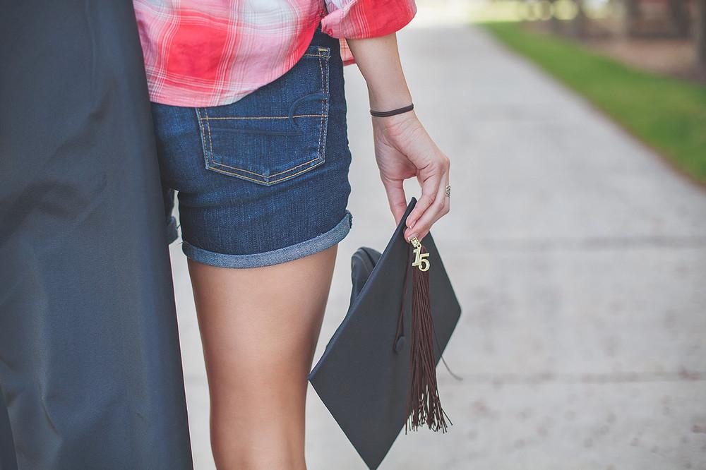 CollegeGraduationPortraits-HeidiRandallStudios-Courtney-4.jpg