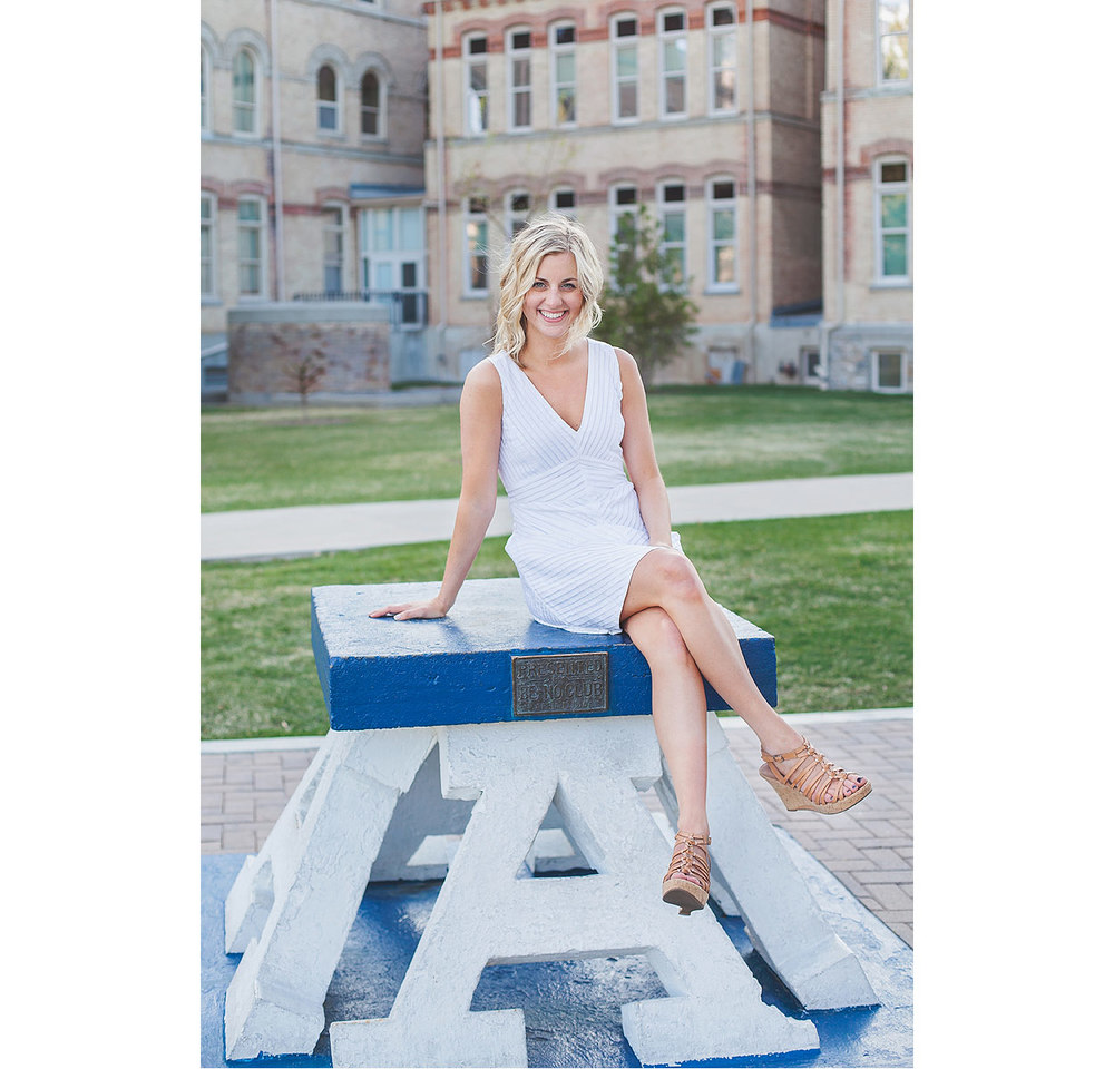CollegeGraduationPortraits-HeidiRandallStudios-Courtney-19.jpg